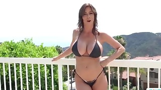Good-looking busty MILF jumps on a dick